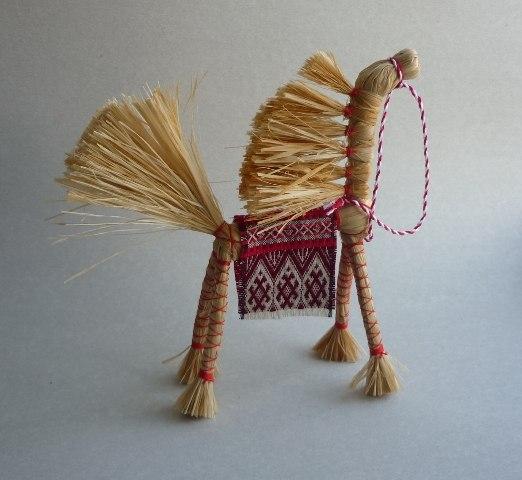 Лошадка из лыка