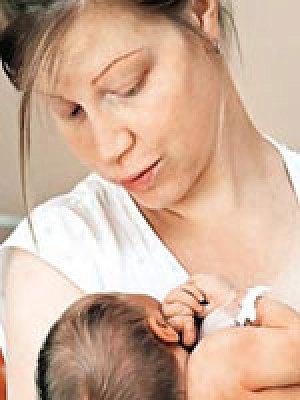 Девушки брызгают молоком из груди фото крупный план — 3