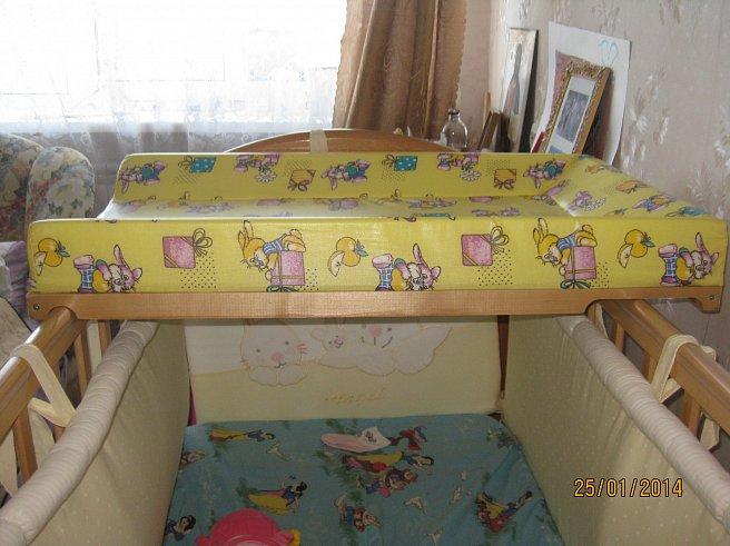 Пеленальная доска своими руками для кроватки