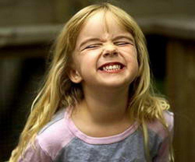 Почему неврологи просят показать зубы